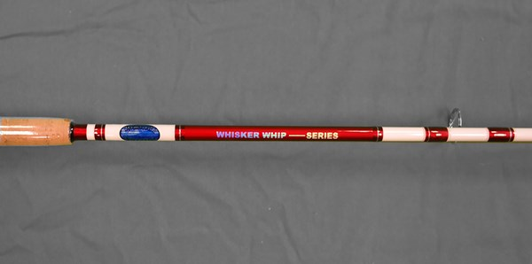 Whisker Whip Spinning White/Red Rod